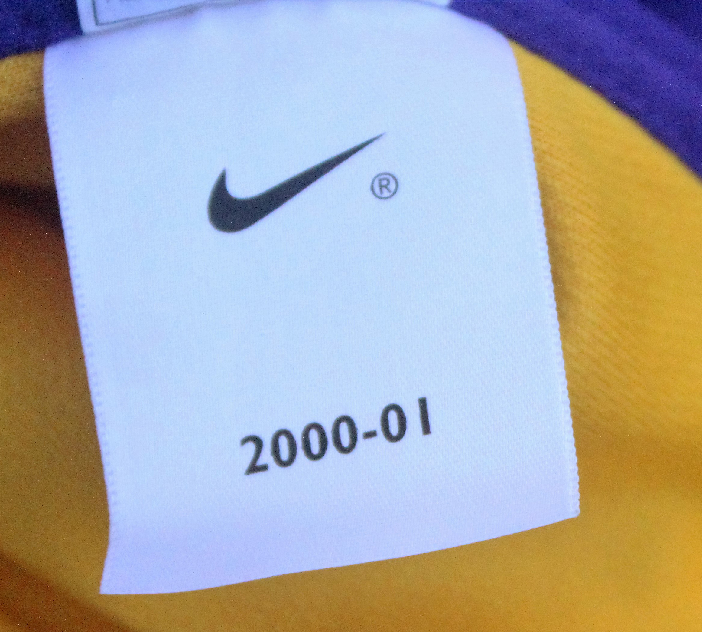 82e6f719 Lot Detail - 2000-01 KOBE BRYANT AUTOGRAPHED GAME USED LAKERS HOME ...