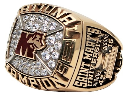 2001 ST MARY'S UNIVERSITY NATIONAL CHAMPIONSHIP RING