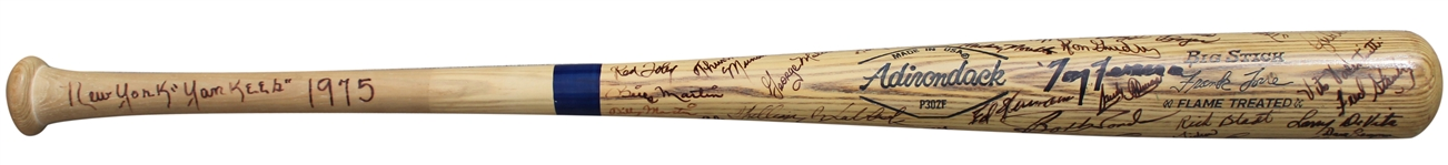 1975 NEW YORK YANKEES TEAM SIGNED BAT WITH THURMAN MUNSON