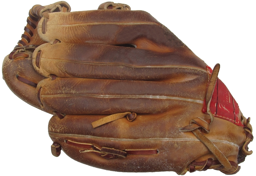 1993-1994 WADE BOGGS SIGNED BOSTON RED SOX GAME USED GLOVE BOGGS LOA