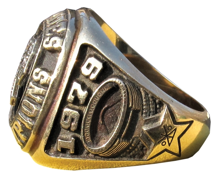 1979 PITTSBURGH PIRATES WORLD SERIES CHAMPIONS RING WITH BOX