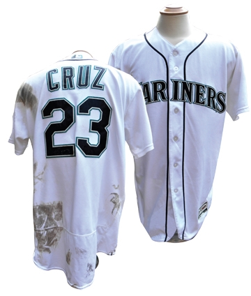2017 NELSON CRUZ SIGNED 35TH HOME RUN GAME USED JERSEY MLB