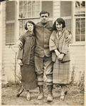BABE RUTH PHOTO WITH WIFE AND DAUGHTER